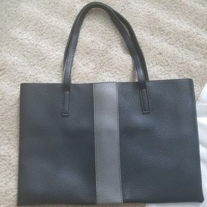 Vince Camuto Bags - *CLEARANCE* VINCE CAMUTO LUCK TOTE --NEW